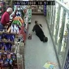 :: Funniest thing you ever seen! /drunk i convenience store! ::